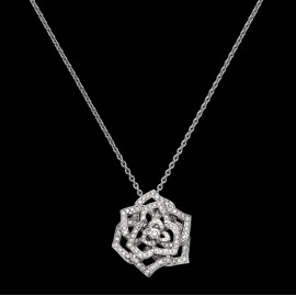 Rose Design Pendant in 18K White Gold Set with 153 Brilliant-cut Diamonds